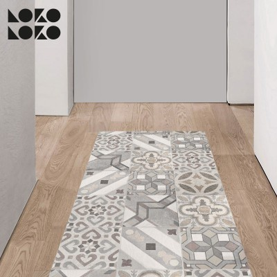 Printed adhesive vinyl of antique hydraulic tiles imitation to decorate the floor
