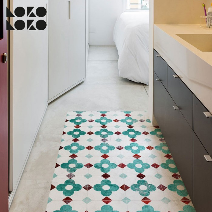 Vinyl for floor decoration with design of turquoise flower tiles