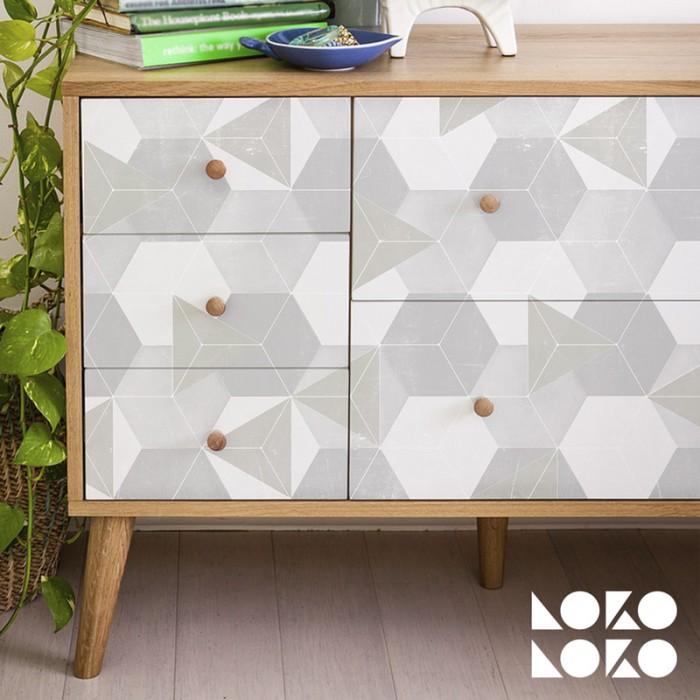 Vinilo para forrar cajones de muebles con diseño de hexágonos nórdicos verde y gris