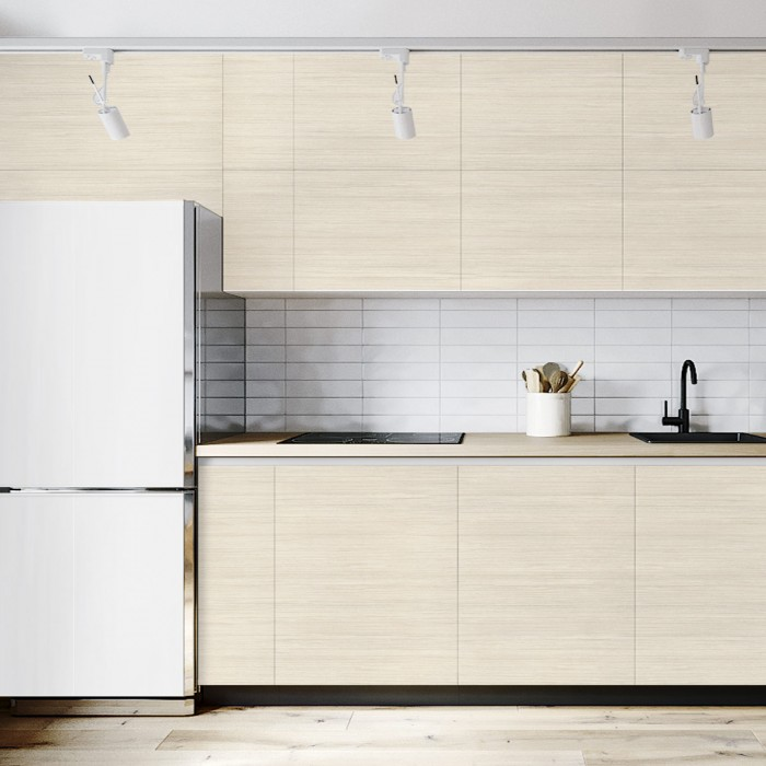 Adhesive vinyl of ligh wood of nordic style to renovate kitchen doors