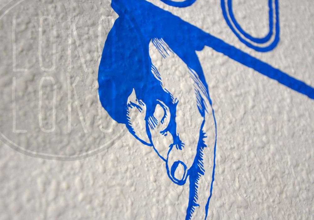 Aprende c mo pegar un vinilo adhesivo sobre pared de gotel for Vinilos para gotele