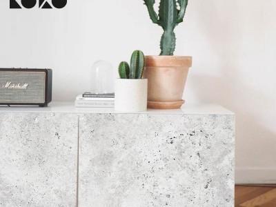 Aplica superficies de texturas naturales a la decoración de tus muebles