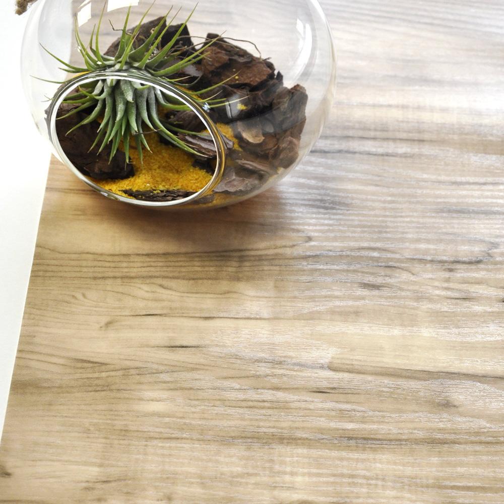 Vinilos de textura de madera para decorar tus muebles for Muebles de diseno imitacion