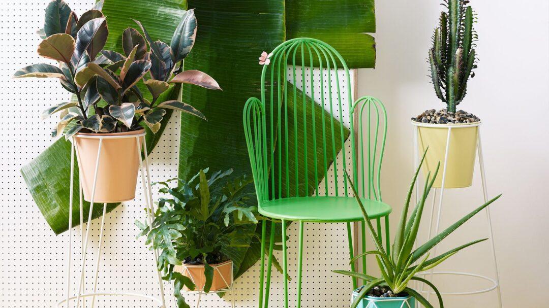 1037241_oliver-bonas_homeware_green-cactus-chair_4