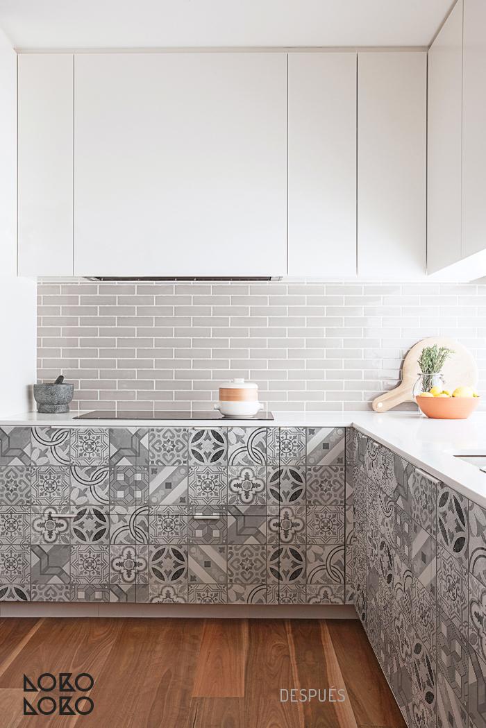 10 ideas con vinilo para transformar cocinas blancas - Cambiar cocina con vinilo ...