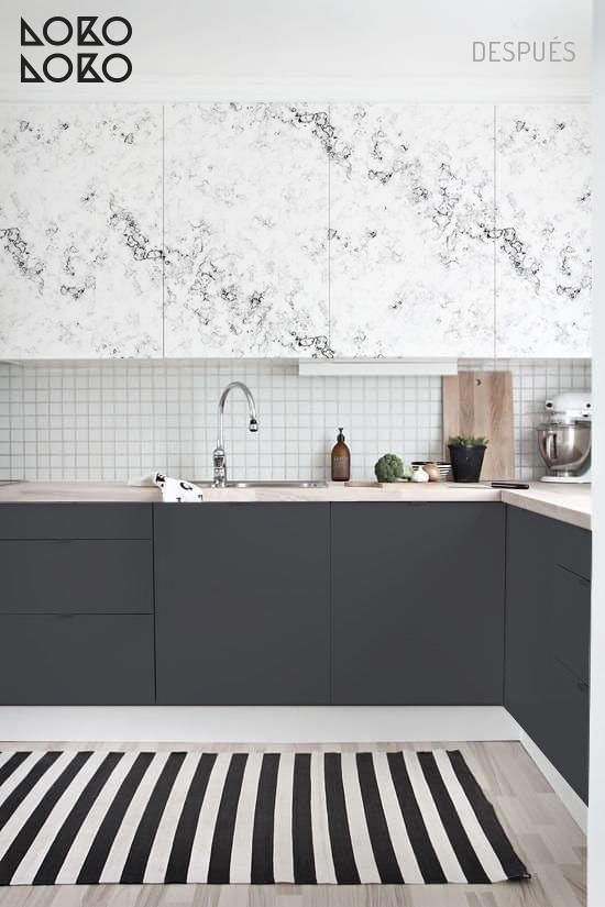 10 ideas con vinilo para transformar cocinas blancas for Marmol gris oscuro