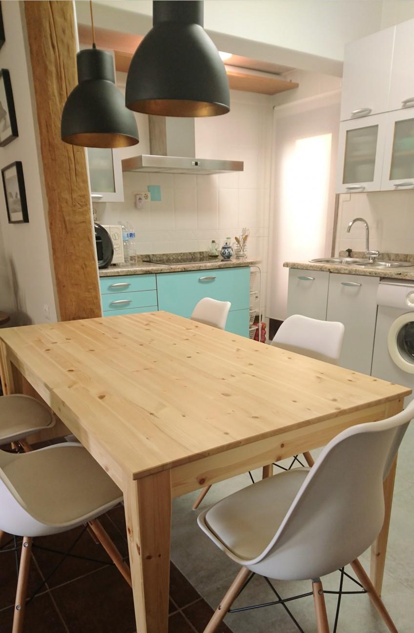 Cocina y salón forrado con vinilo para muebles