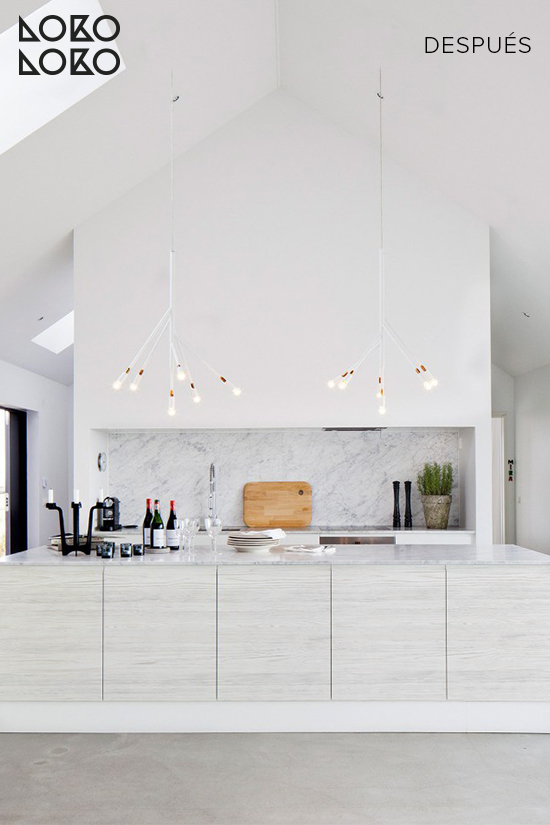 cocina-blanca-renovada-vinilo-madera-clara-vintage-lokoloko