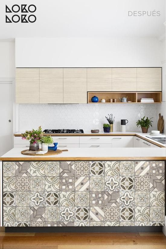 cocina-blanca-renovada-vinilo-madera-vinilo-hidraulico
