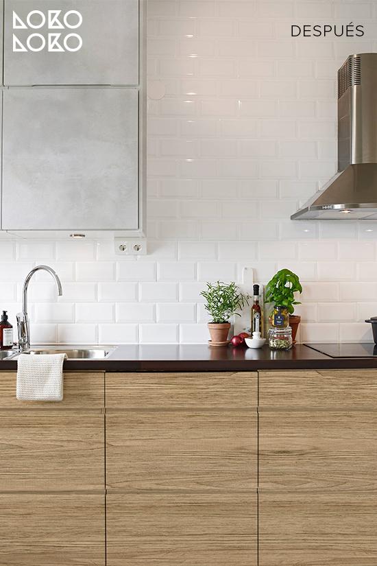 cocina-con-vinilo-madera-y-vinilo-textura-hormigon-blanco-lokoloko