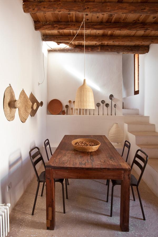 Mira estas mesas de madera en decoraciones rústicas y mediterráneas!