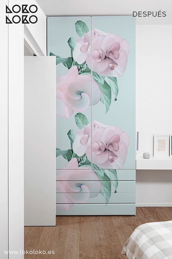 Armario-blanco-con-vinilo-para-muebles-flores-turquesas-y-rosas-lokoloko-design