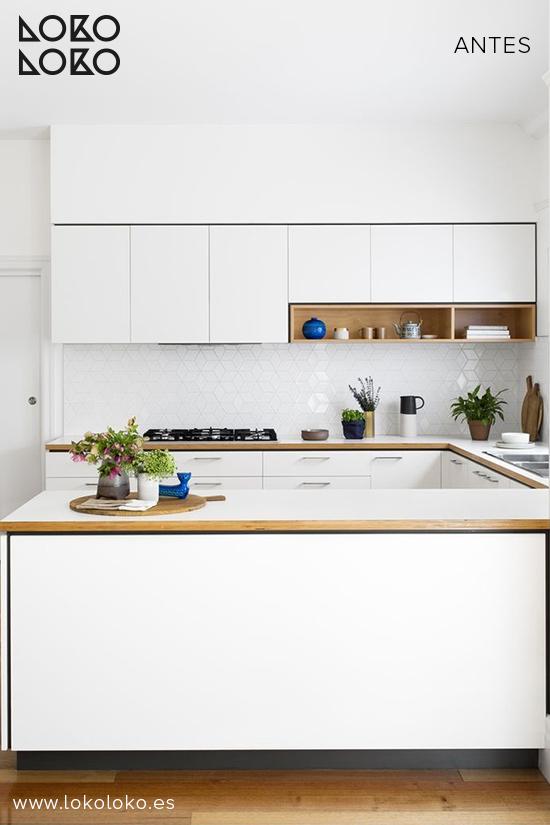 Antes y despu s de muebles tuneados con vinilos florales - Cocinas azul tierra ...