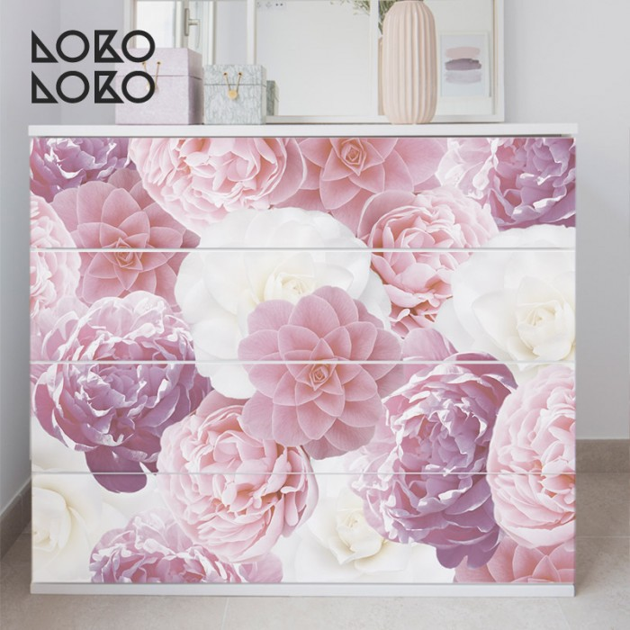 estampado-flores-blancas-rosas-salones-modernos