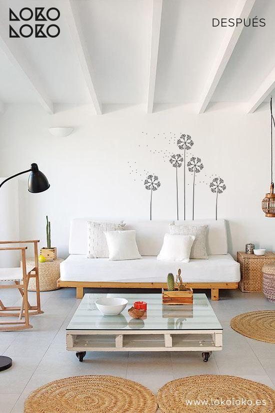 pared-salon-apartamento-de-playa-despues-vinilo-decorativo-flores-lokoloko-design