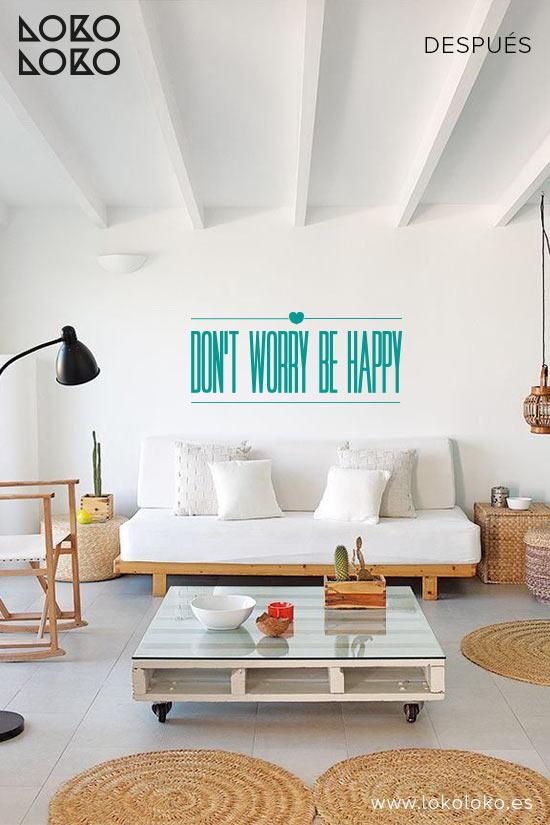pared-salon-apartamento-de-playa-despues-vinilo-decorativo-textos-lokoloko-design
