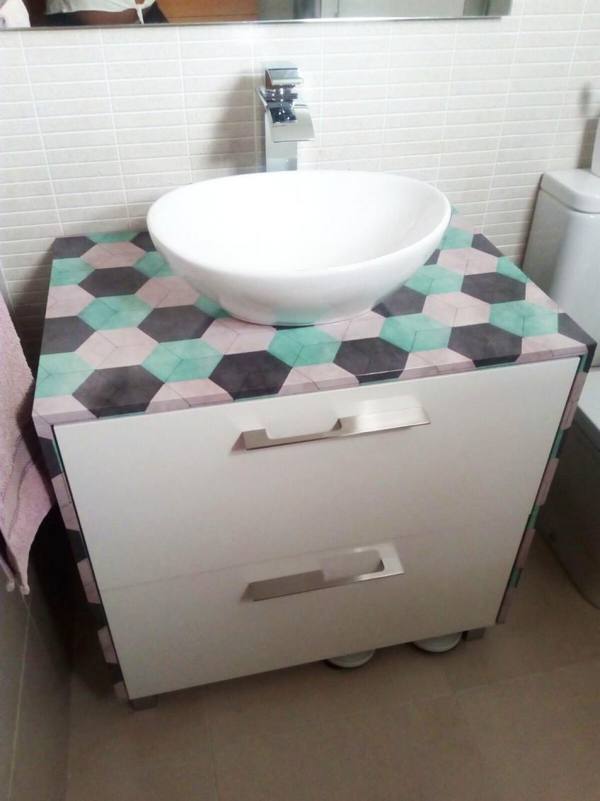 reforma-mueble-de-bano-vinilo-ceramico-moderno-lokoloko-design