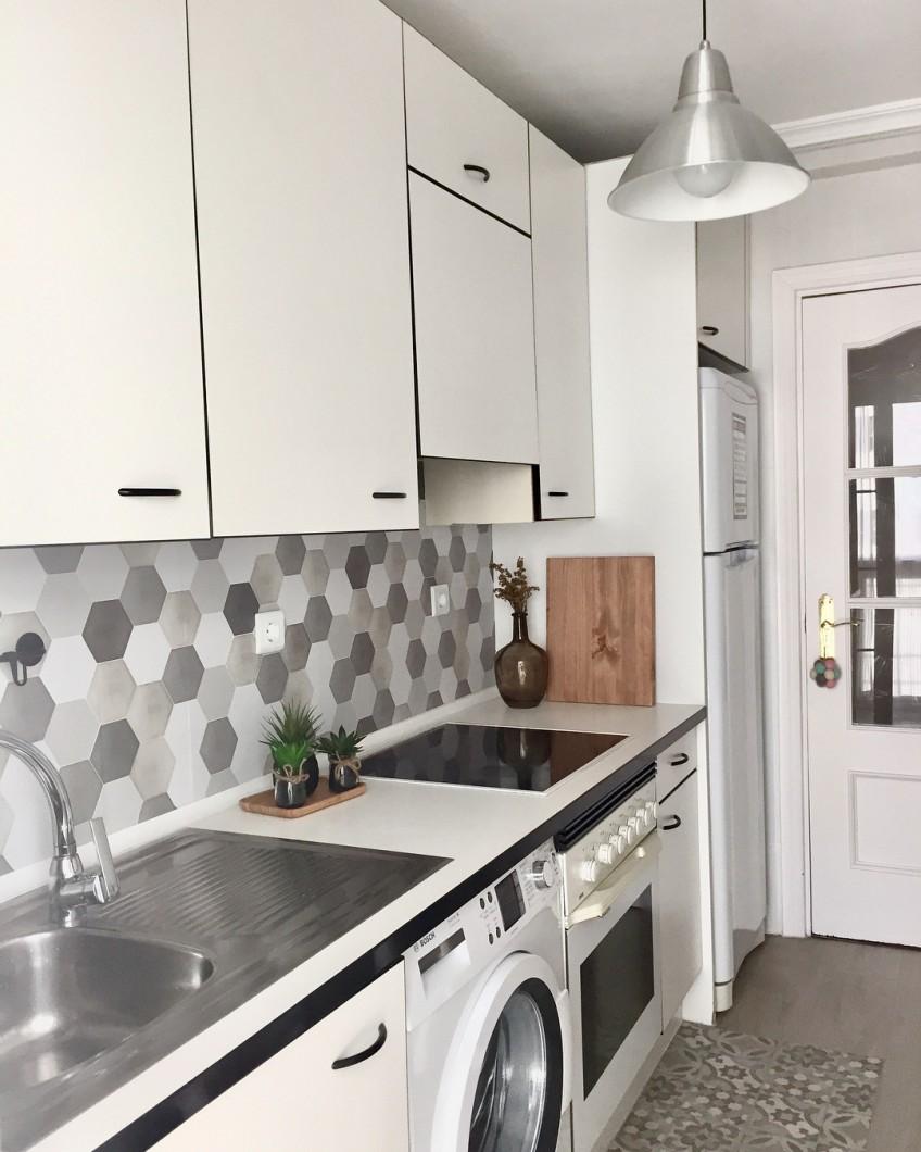 Antes y despu s de azulejos cenefas copetes y frontales de cocina con vinilos - Losas para cocina ...