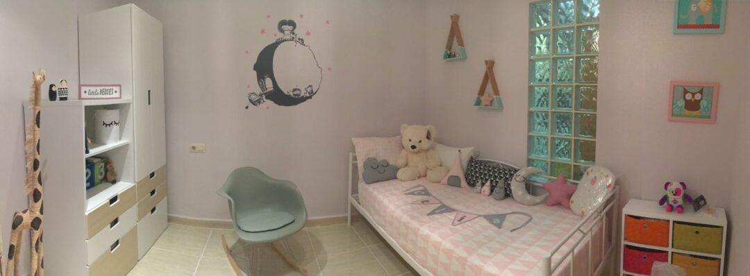 Antes y despu s decorar habitaciones infantiles con vinilo for Vinilo habitacion nina