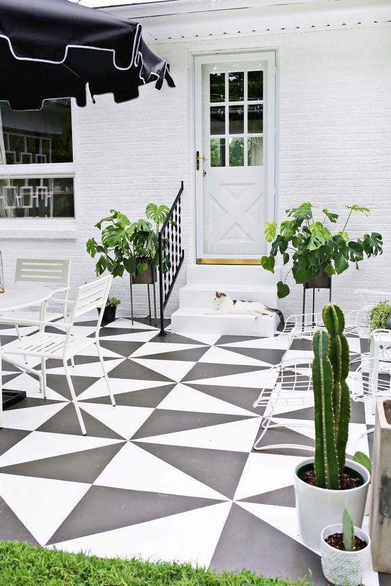 terraza-con-suelo-geometrico-tendencia-deco