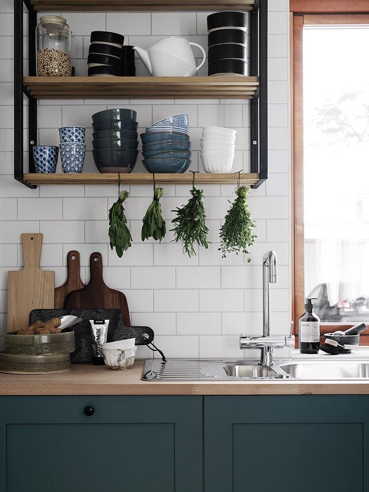 cocina-verde-oscura-tendencia-deco-2018