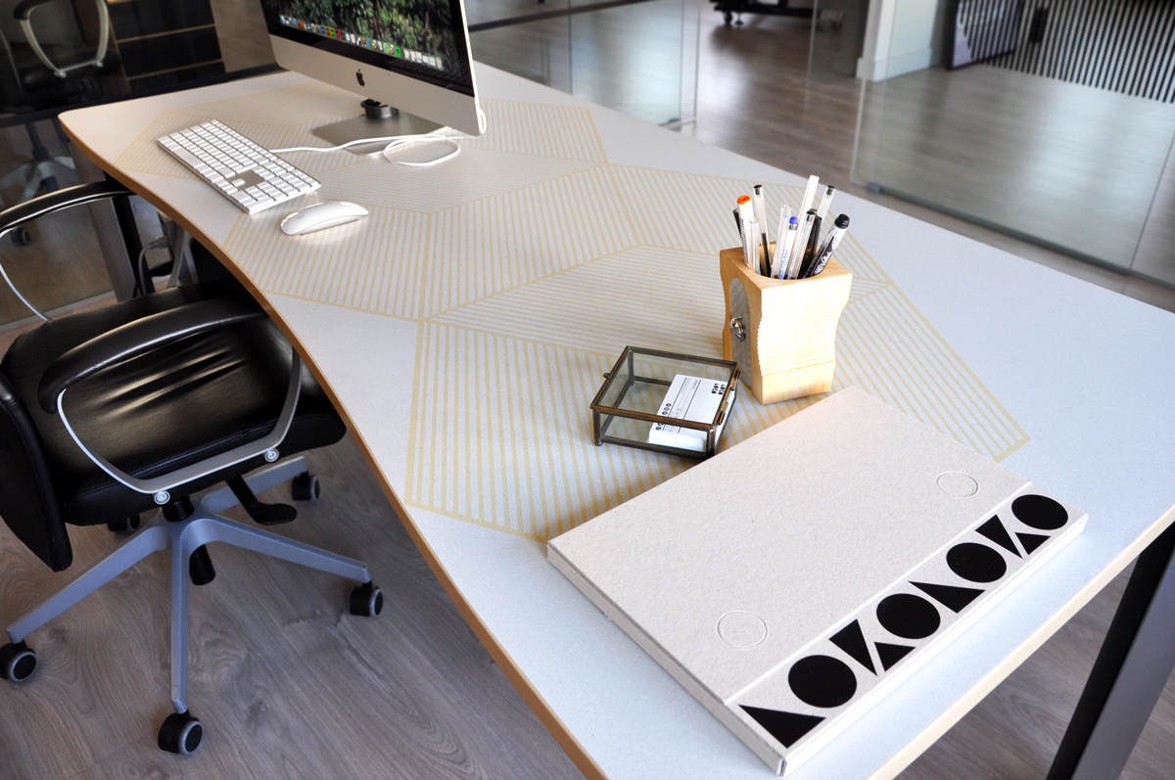 Pega-tu-vinilo-para-mesas-en-8-sencillísimos-pasos-con-lokoloko-design
