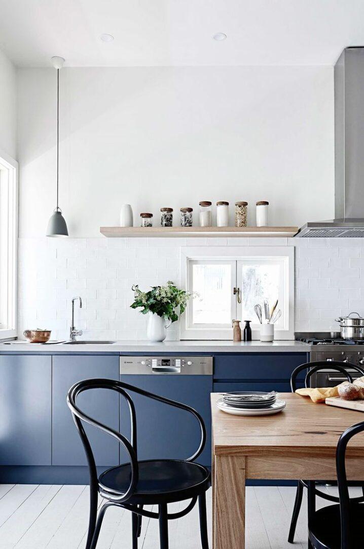tendencias-2018-cocinas-azules-oscuras-lokoloko