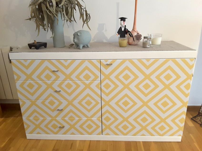 vinilo-geometrico-amarillo-para-forrar-comodas-salon-lokoloko-design