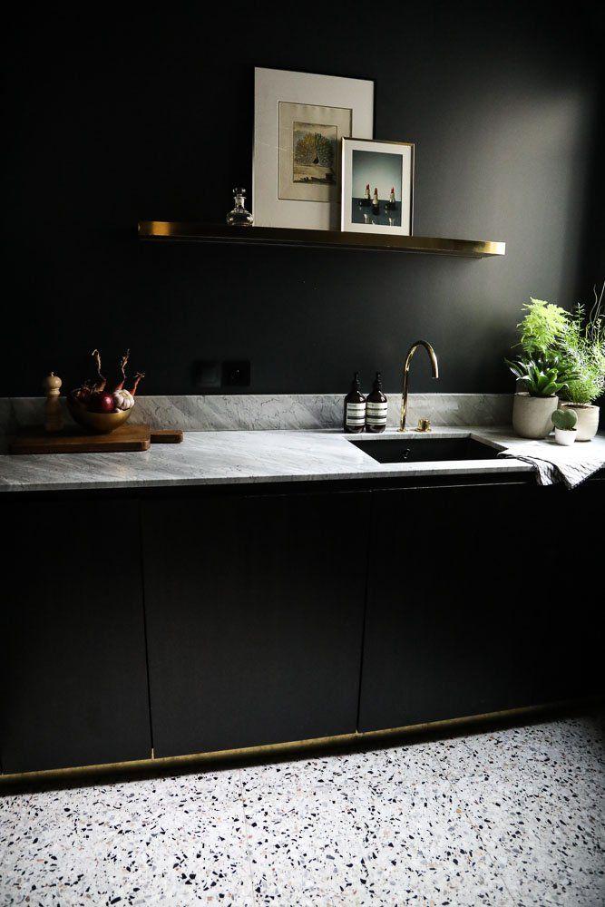 afefa1e0cd40f4a7474aa3c5ddcba59c--dark-kitchens-dark-interiors
