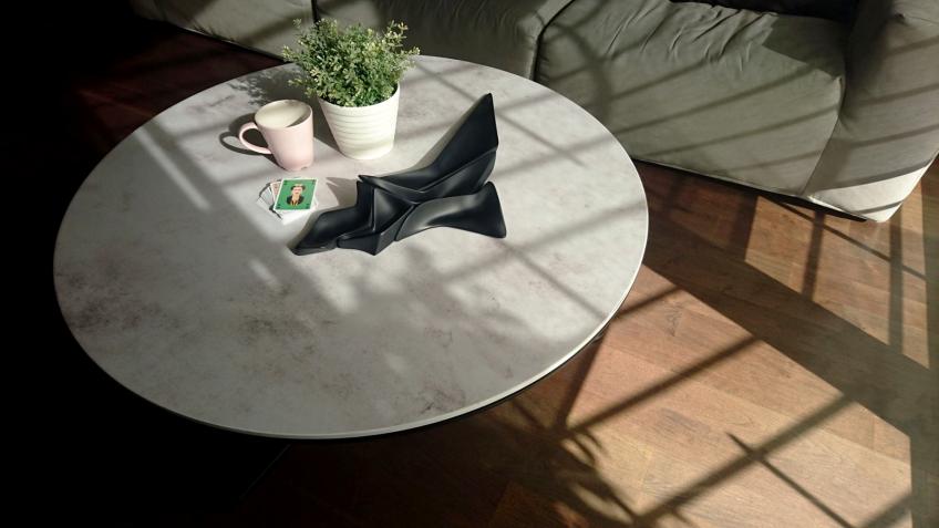 Vinilo para mesas redondas de textura de cemento gris