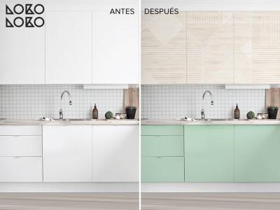 Antes y después: Renovar cocinas blancas con vinilos de imitación madera y vinilos de colores lisos