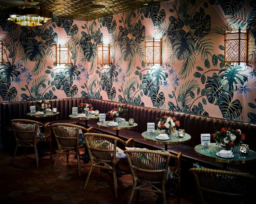 jungalow-decoracion-en-interior-de-bar