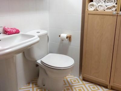 Vuestros cambios y reformas con vinilo para muebles, paredes y suelos ¡en baños!