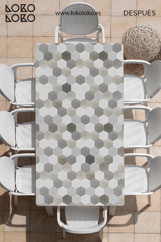 despues-de-pegar-vinilo-ceramico-sobre-mesa-de-centro-de-terraza-lokoloko