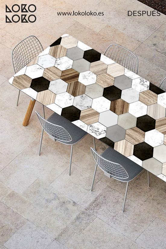 mesa-de-terraza-de-centro-renovada-con-vinilo-ceramica-y-madera-lokoloko