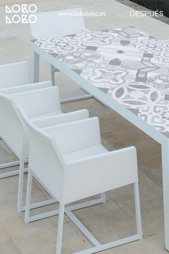 renovar-mesa-de-centro-de-terraza-con-vinilo-de-mosaico-baldosa-hidraulica