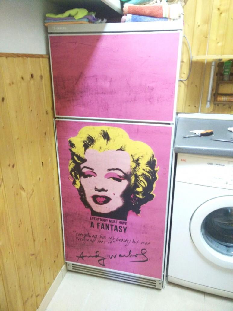 vinilo-de-marilyn-monroe-para-pegar-en-frigorificos-lokoloko