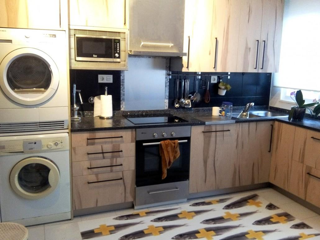 vinilo-para-muebles-de-cocina-textura-madera-y-vinilo-para-suelo-lokoloko