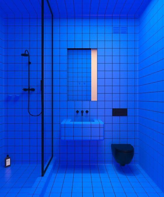 bano-monocromo-azul-tendencia-decoracion