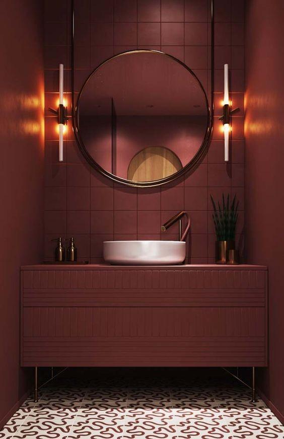 cuarto-de-bano-monocromo-burdeos-decoracion