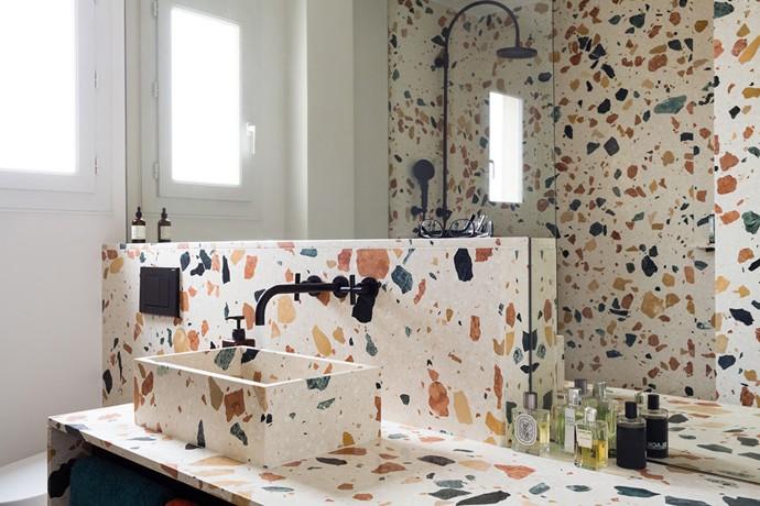 encimera-de-lavamanos-cuarto-de-bano-tendencia-terrazo
