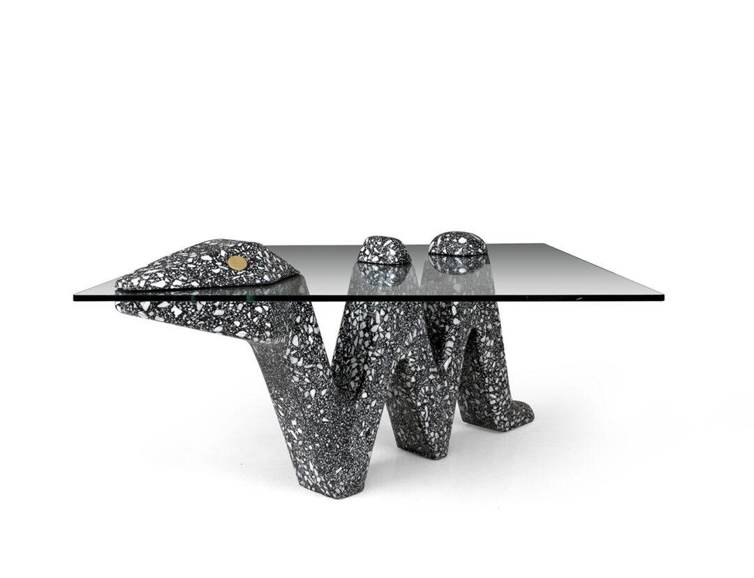 mesa-de-animal-de-serpiente-de-textura-terrazo