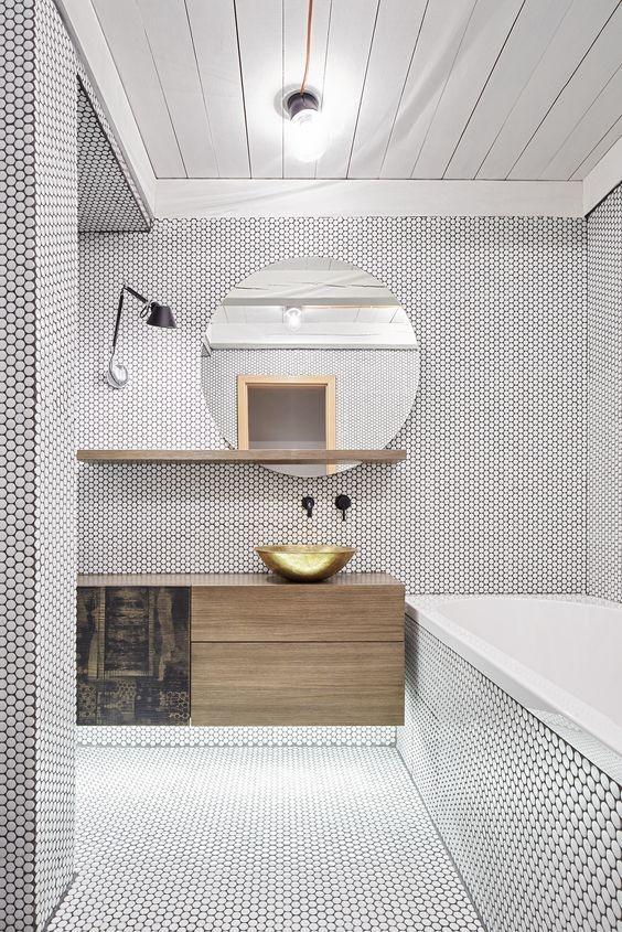 Banos-2019-azulejos-pequenos-y-redondos
