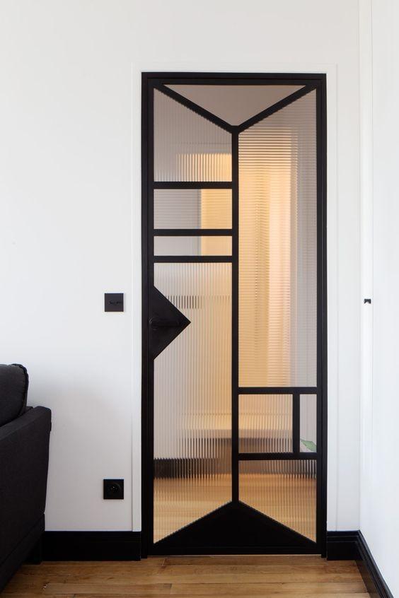 Estructura negra en muebles la locura en la decoraci n de for Linea actual muebles europolis