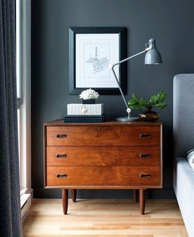 comoda-de-madera-oscura-la-ultima-tendencia-decorativa
