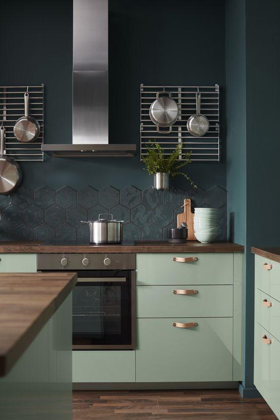 lamina-de-madera-oscura-en-cocina-tendencia-decoracion