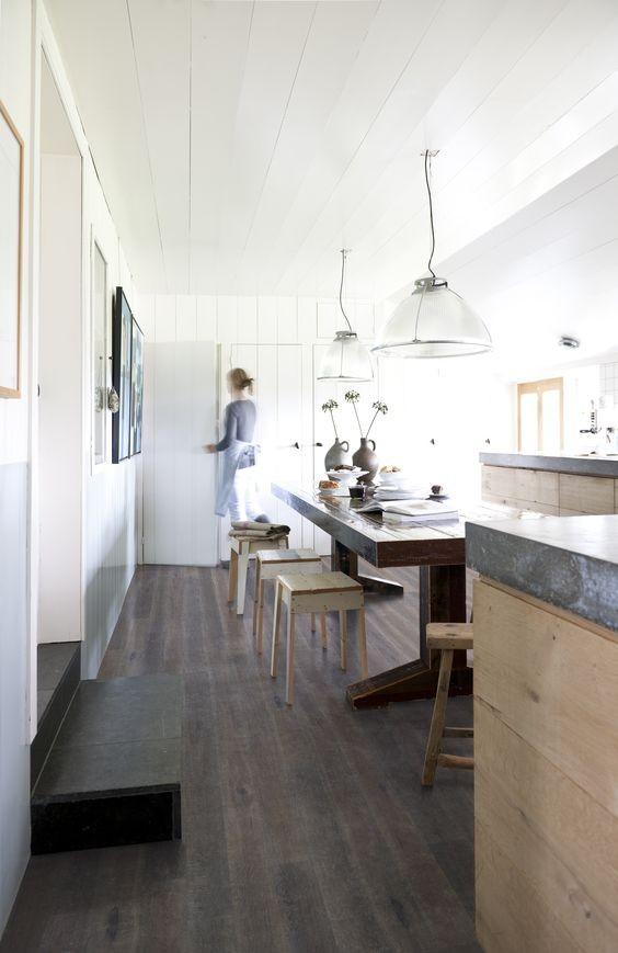 suelo-de-cocina-de-madera-oscura