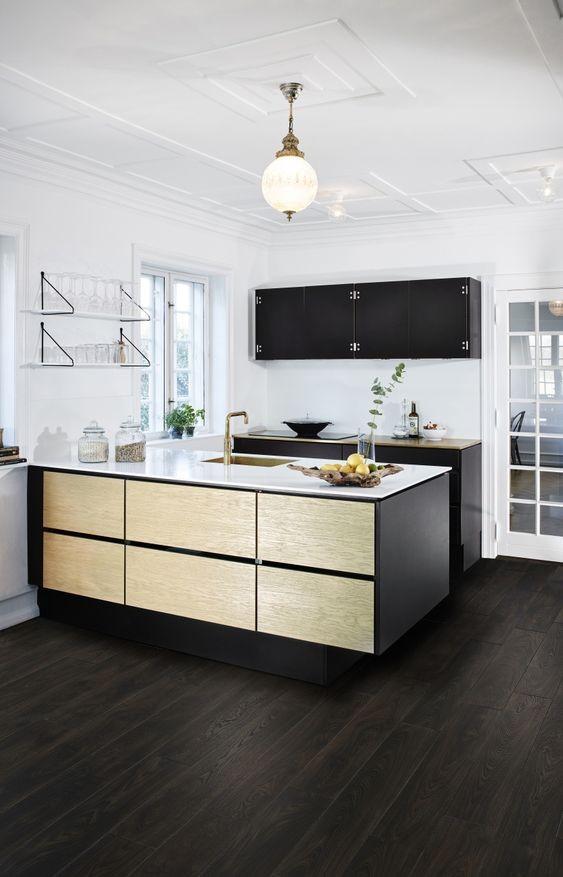 suelo-de-tendencia-de-madera-oscura-cocinas-y-banos