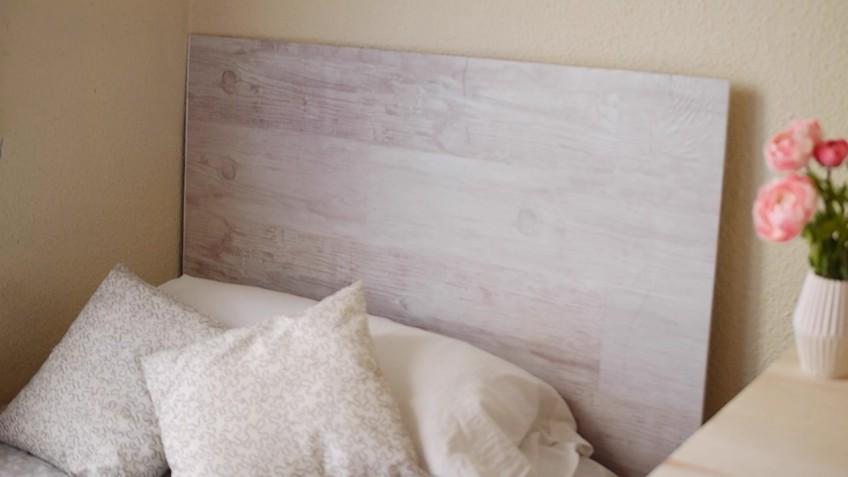 Vinilo-lavable-para-cabecero-de-cama-madera-clara-vintage-lokoloko