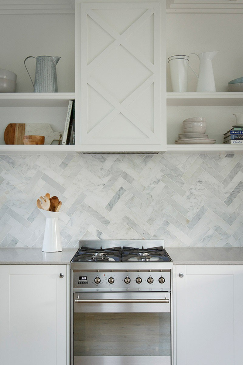 herringbone-tile-backsplash-031116-1207-02b
